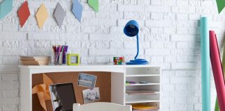21 Contemporary Kids Desks