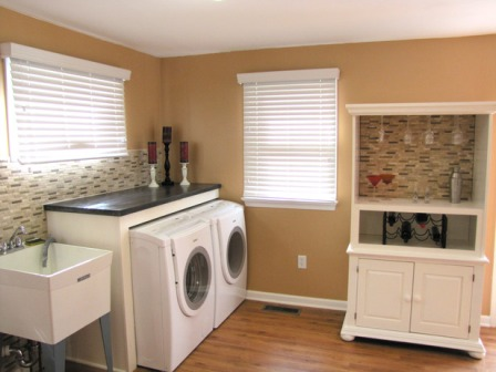 Hip Organizing Tips for Functional Laundry Rooms