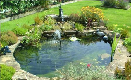 Decorate your garden with water features home interiors blog for Garden pond design and construction