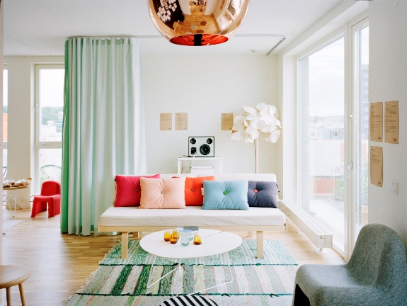 Decorate your floor with a bright rug