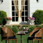How to Choose Modern Wood Garden Furniture