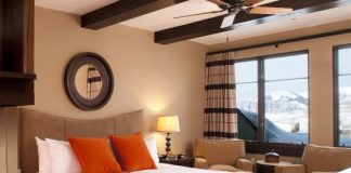must haves for a relaxing and inviting guest room