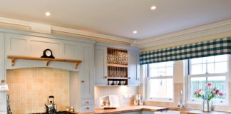 tips for kitchen space seem bigger